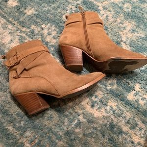 Matiko Shoes - MATIKO AMIE SUEDE ANKLE BOOTS - tan suede